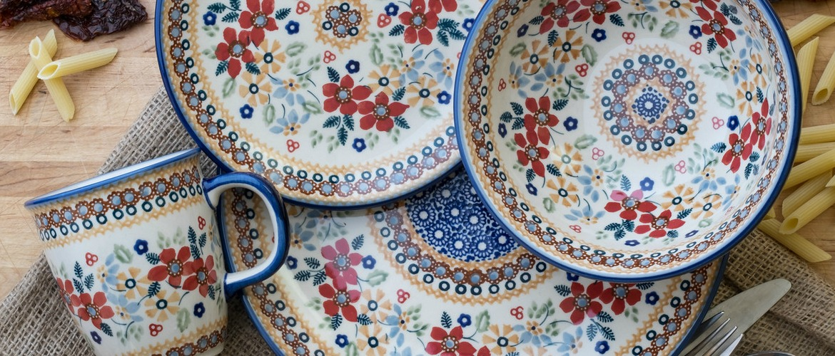 RED DAISY SIGNATURE PATTERN - GREAT COLORS - WORKS ALL YEAR LONG! & Blue Rose Polish Pottery | Polish Pottery Stoneware Ceramics and ...